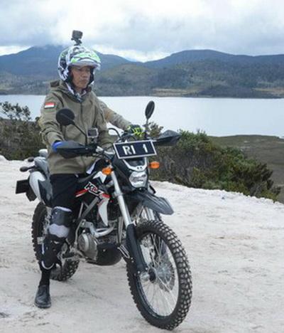 Jaket Army Jokowi1